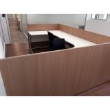 estação de trabalho com divisória para escritório